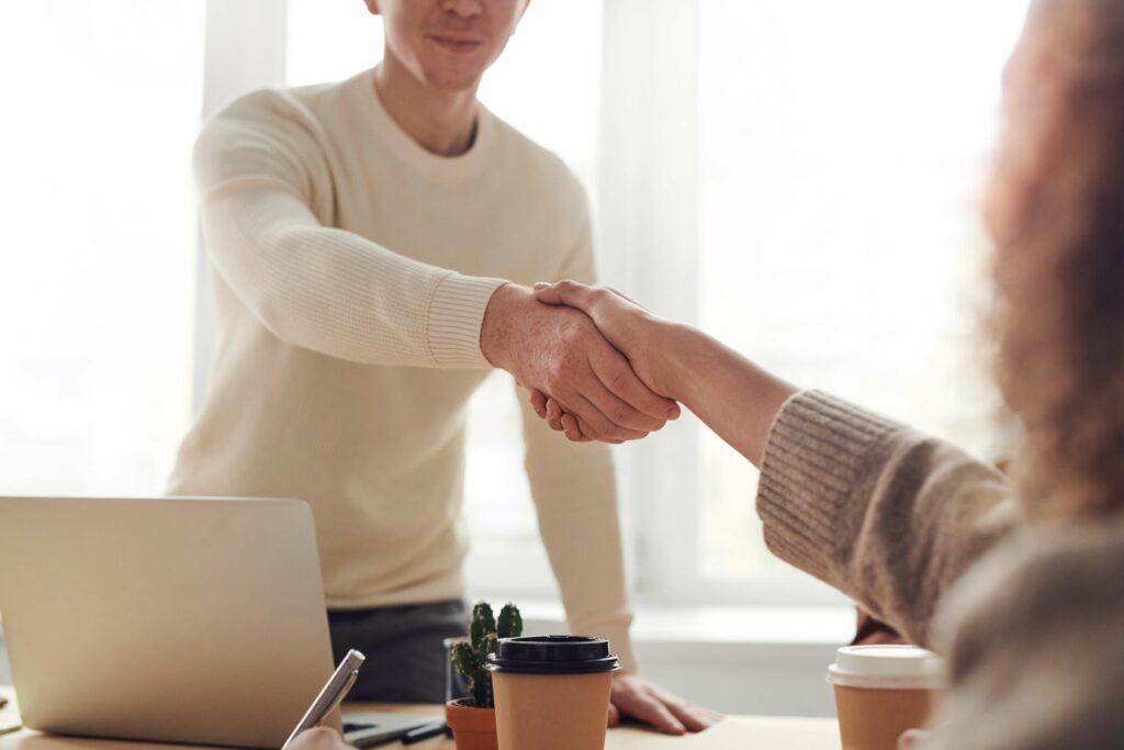 Onnistunut rekrytointi vaatii kuuntelua, selkeää viestintää sekä uusia näkökulmia.